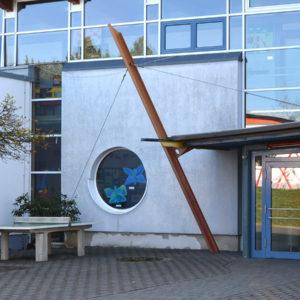 duensbergschule-eingangshalle-uhren
